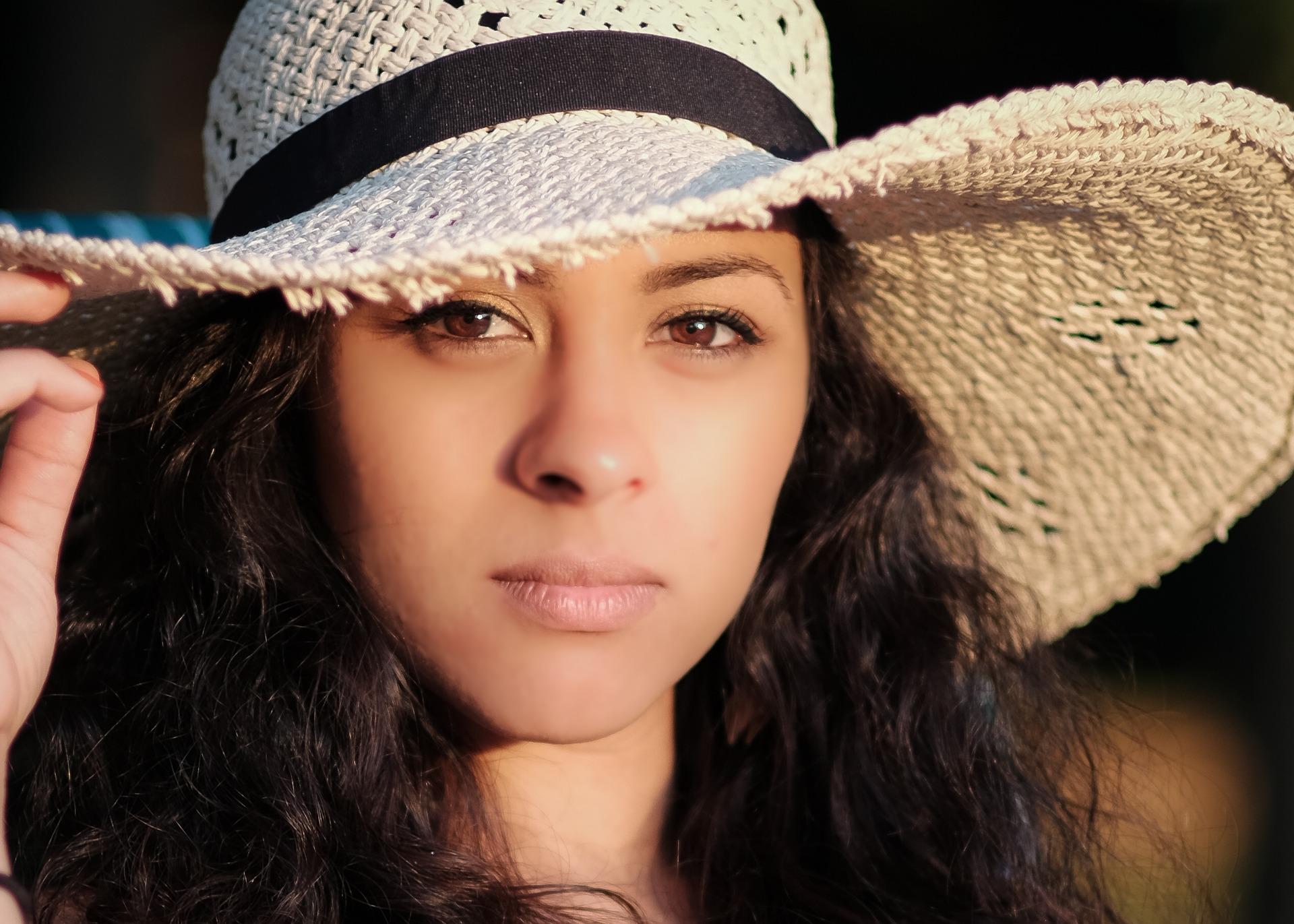 Dziewczyna w kapeluszu, Pexels, pixabay.com