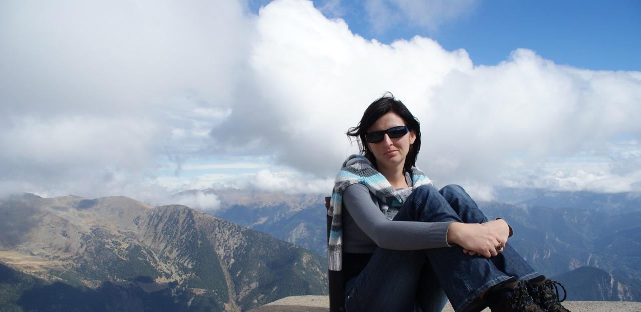 Pireneje, Novelka, Prezent od męża
